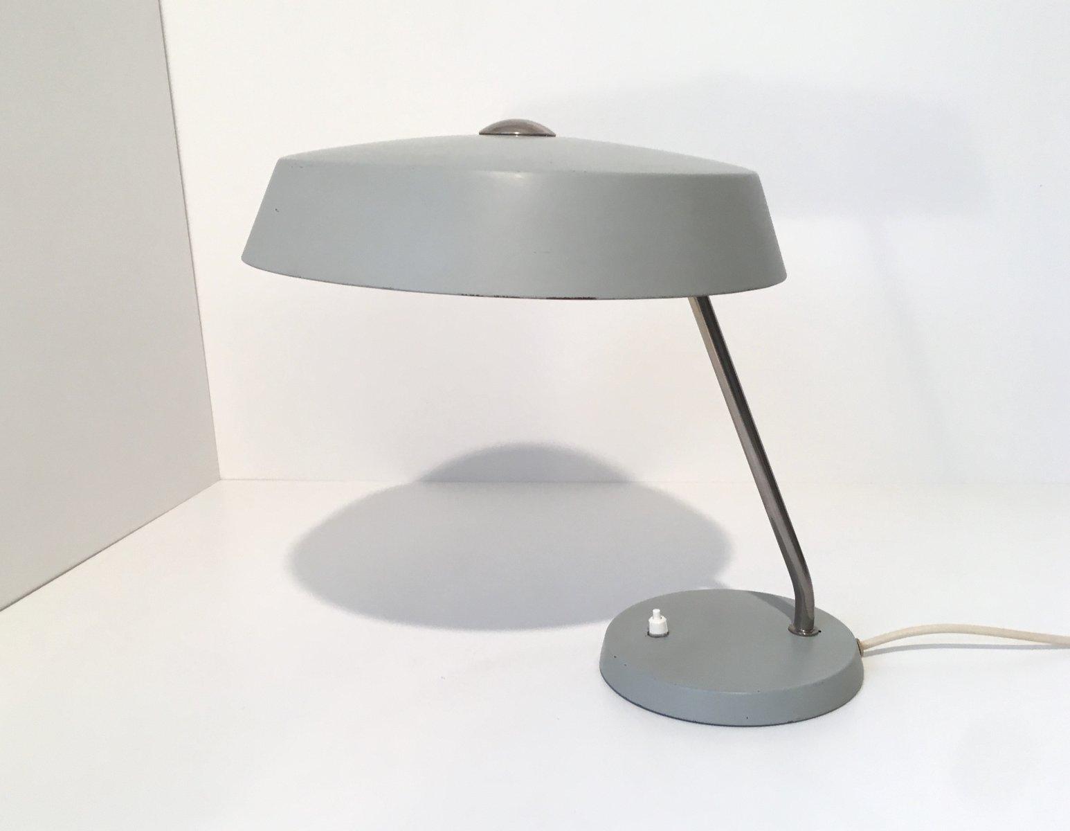 graue bauhaus tischlampe 1960er bei pamono kaufen. Black Bedroom Furniture Sets. Home Design Ideas