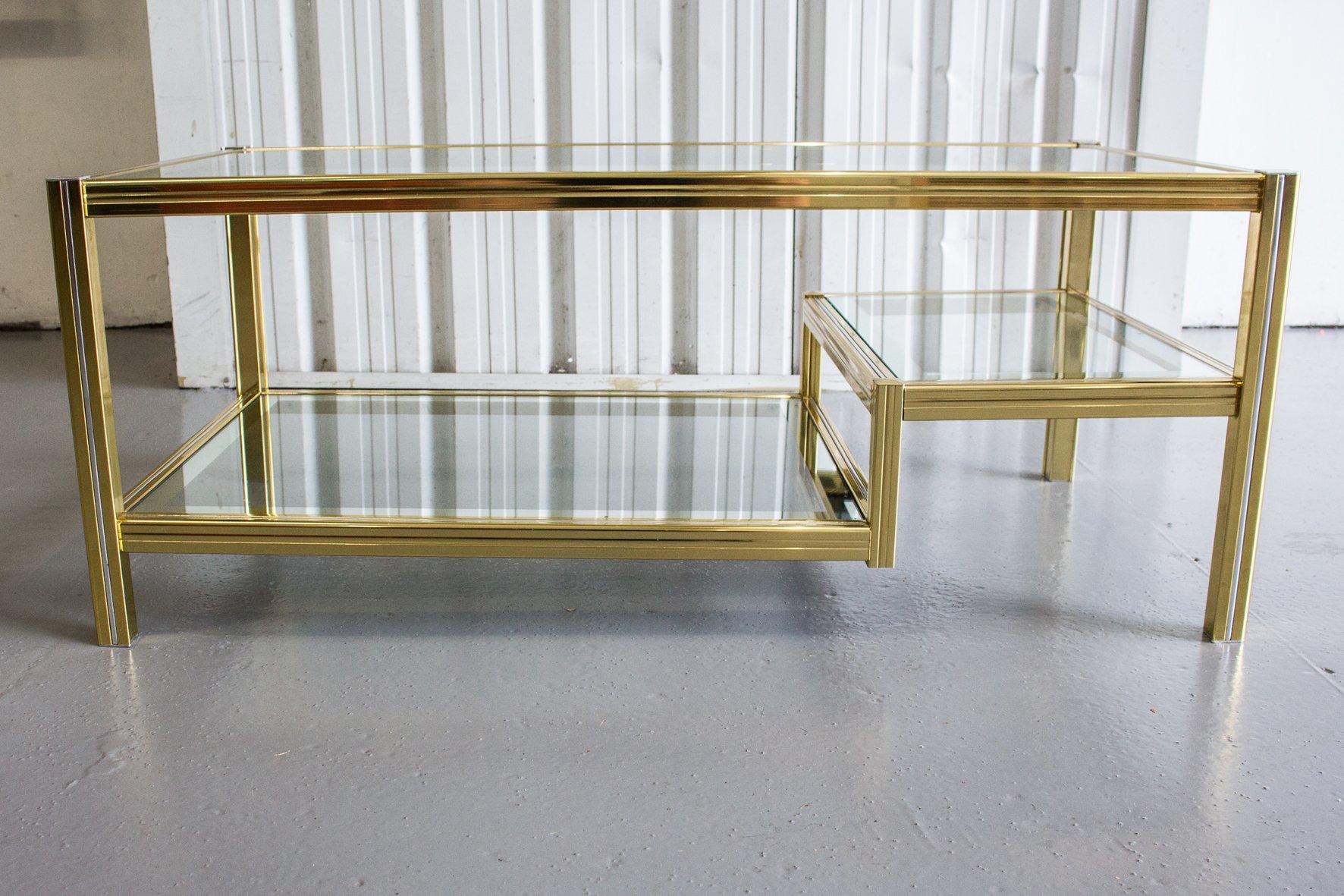 Goldener couchtisch mit zwei glas ebenen 1970er bei for Couchtisch zwei ebenen