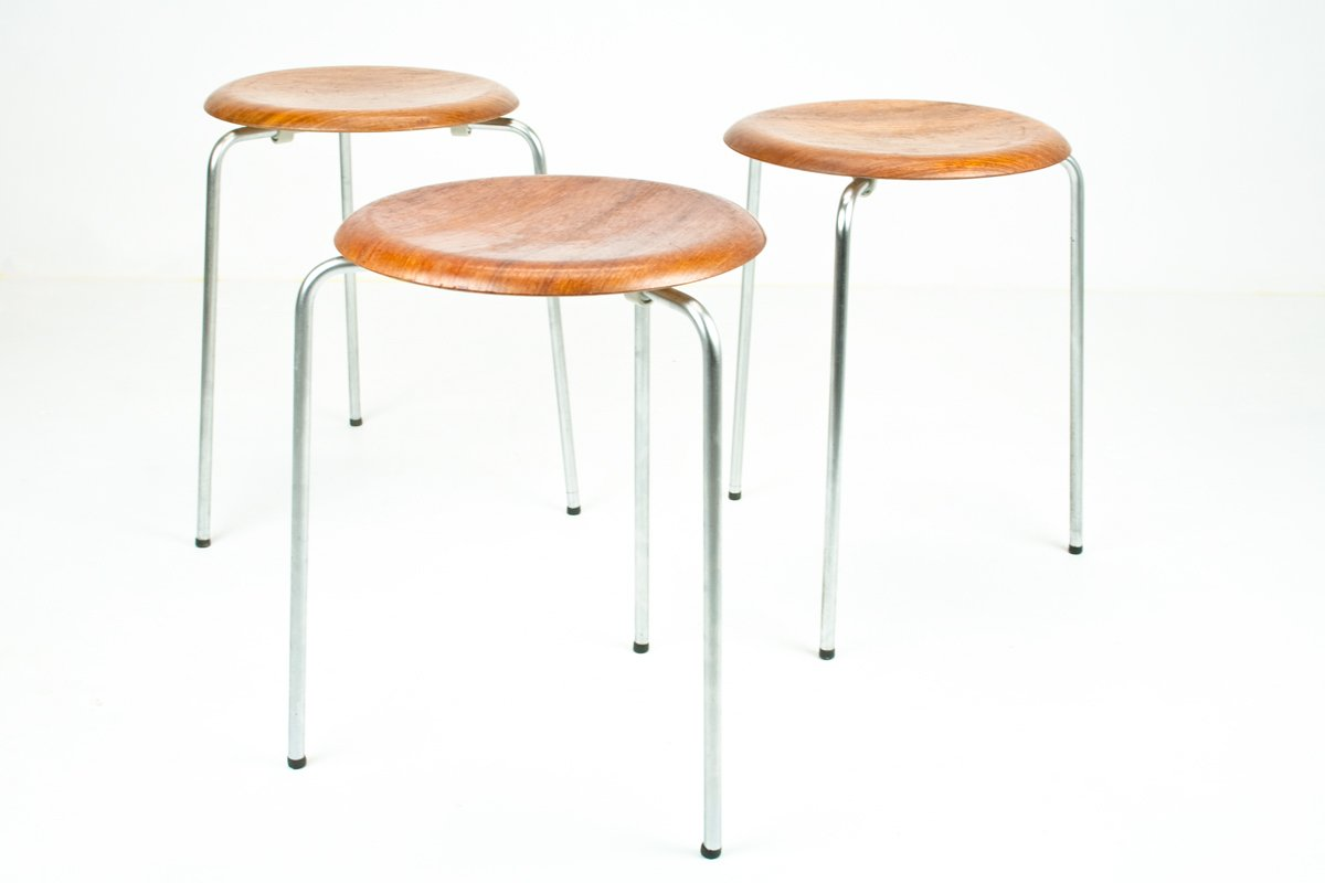vintage dot stools by arne jacobsen for fritz hansen set of 3 for sale at pamono. Black Bedroom Furniture Sets. Home Design Ideas