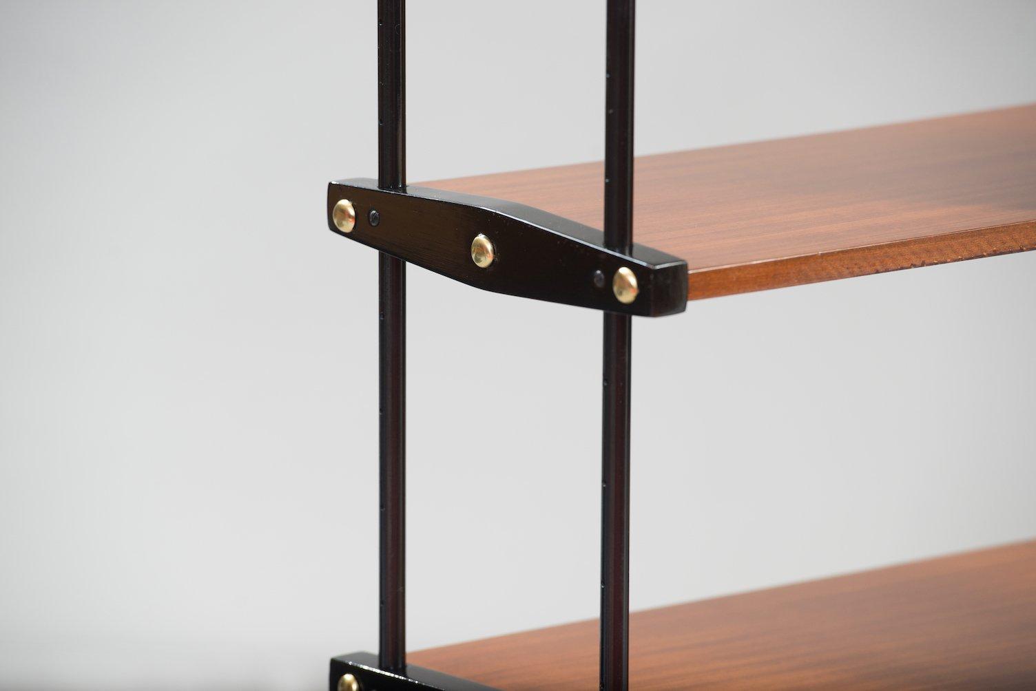 italienisches vintage b cherregal bei pamono kaufen. Black Bedroom Furniture Sets. Home Design Ideas