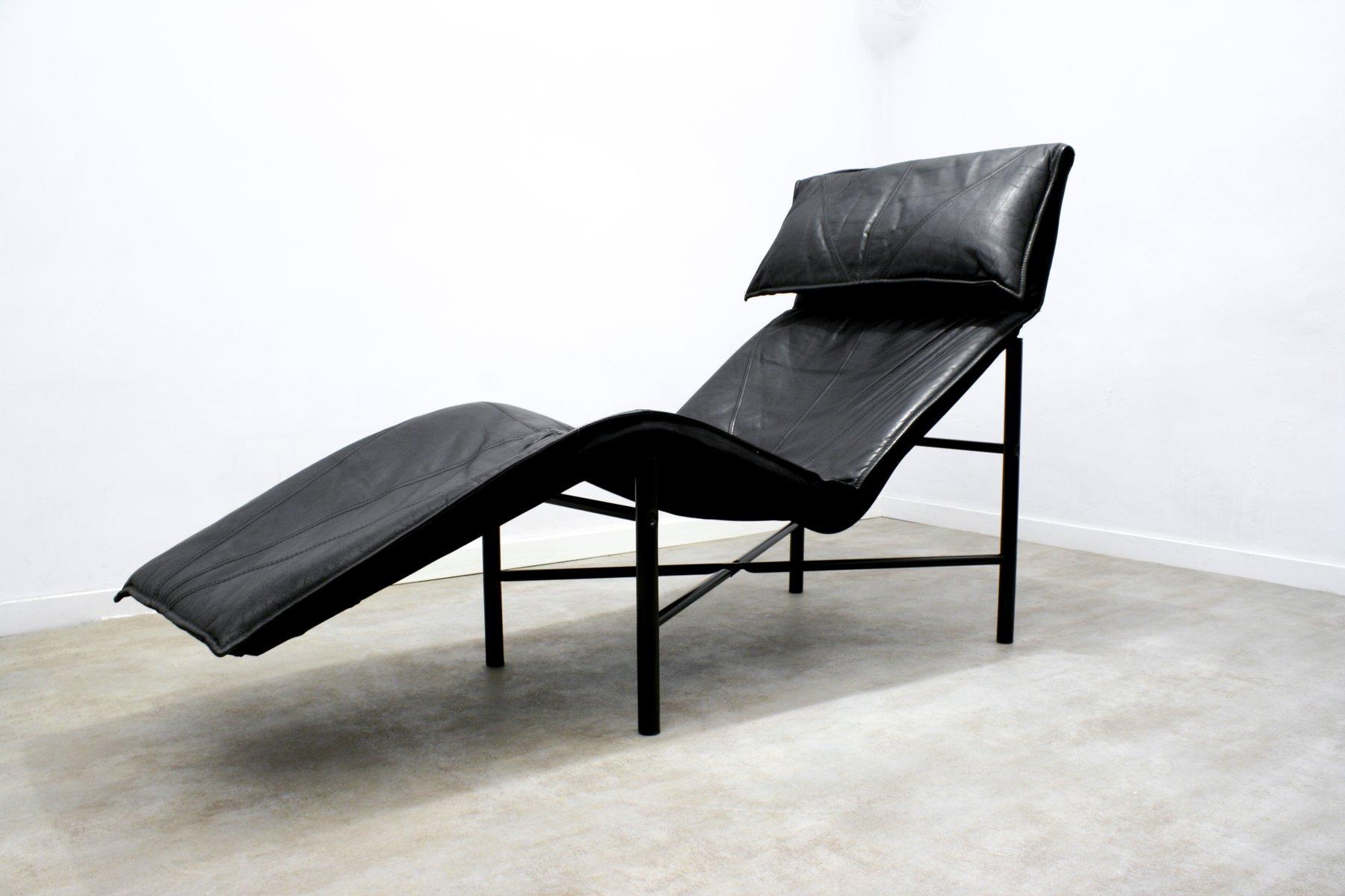 skye chaiselongue aus schwarzem leder von tord bj rklund. Black Bedroom Furniture Sets. Home Design Ideas