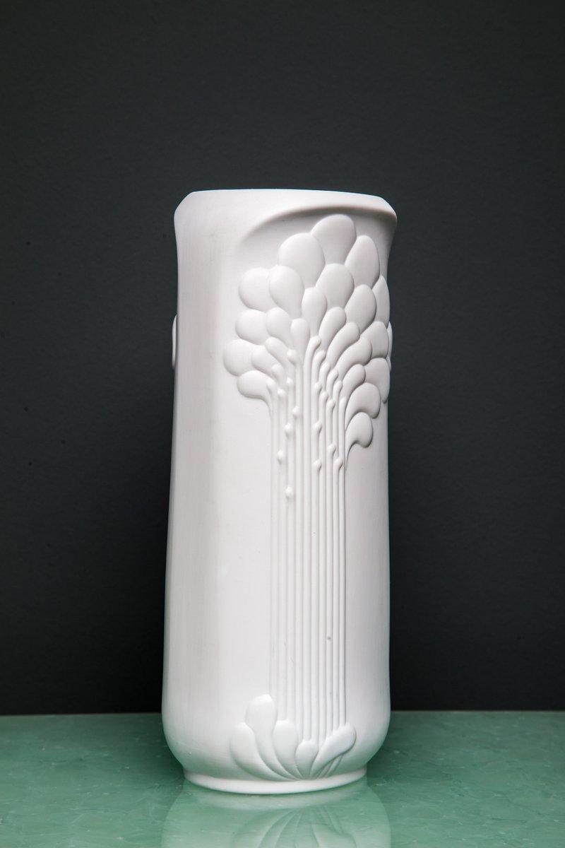 wei e vase von manfred frey f r kaiser porzellan 1970er. Black Bedroom Furniture Sets. Home Design Ideas
