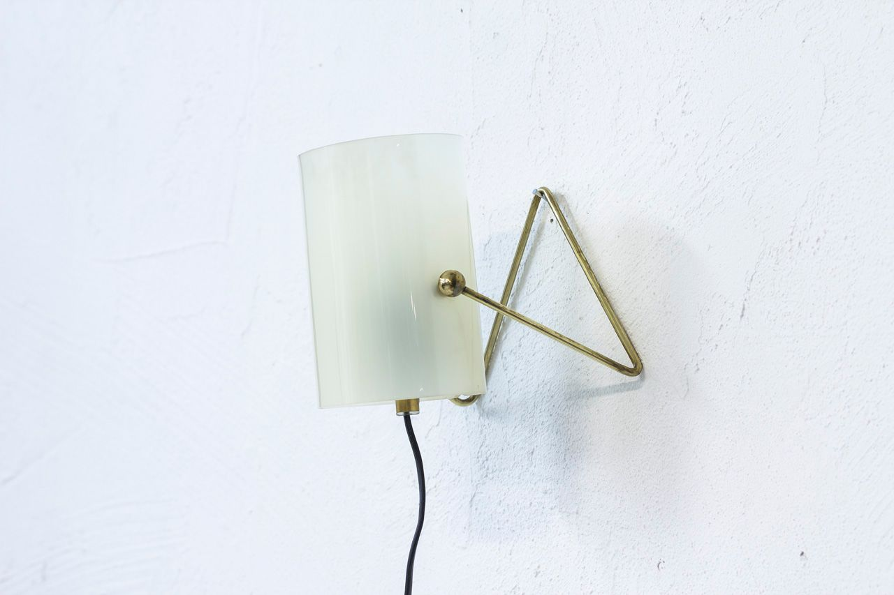 ... Acrylic Table Lamp From Korumo 3. Previous