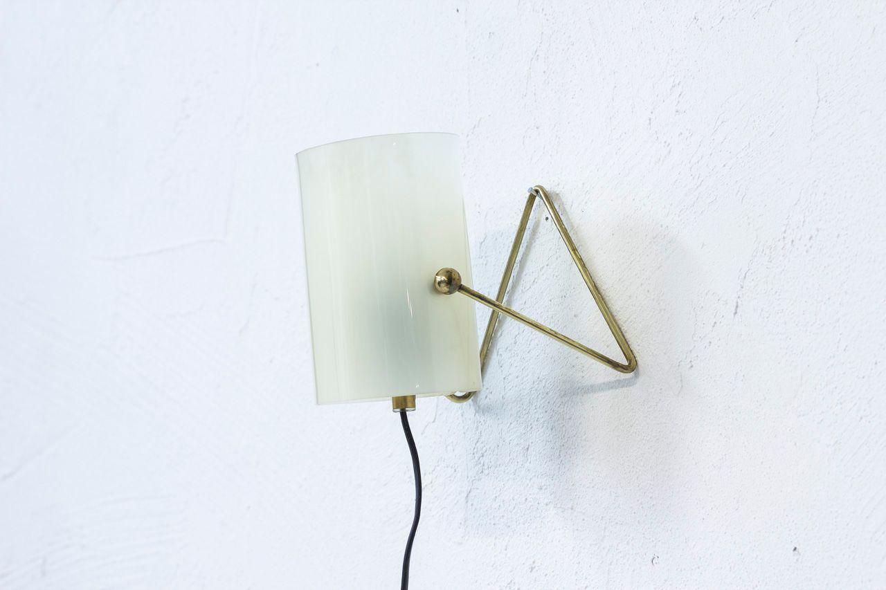Mid century finnish brass acrylic table lamp from korumo en venta mid century finnish brass acrylic table lamp from korumo aloadofball Image collections