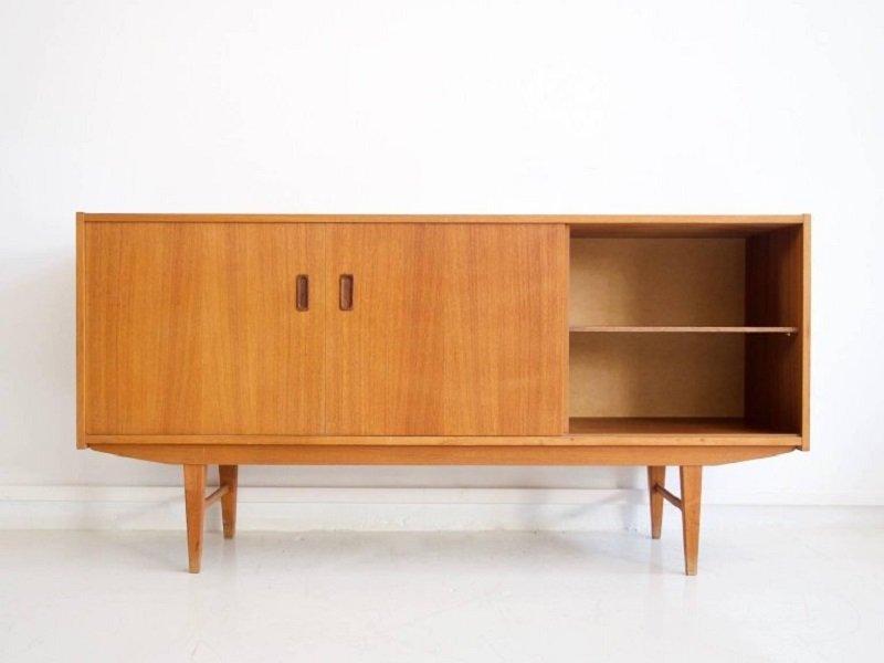 skandinavisches vintage teak furnier sideboard bei pamono. Black Bedroom Furniture Sets. Home Design Ideas