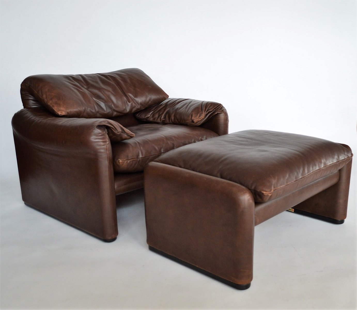 Maralunga Leather Lounge Chair U0026 Ottoman By Vico Magistretti For Cassina,  1970s