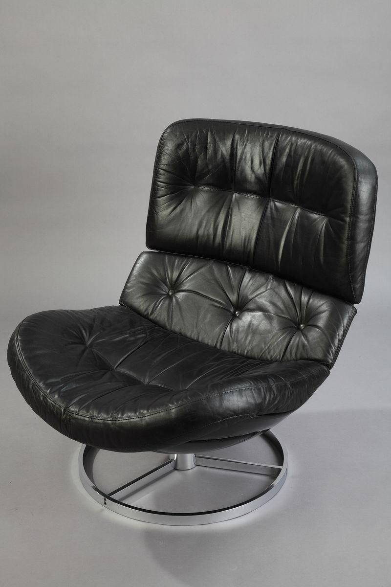 vintage drehsessel aus fiberglas und leder mit ottomane. Black Bedroom Furniture Sets. Home Design Ideas