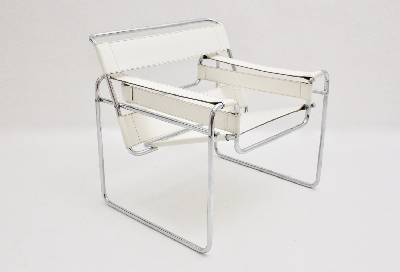 vintage white wassily chair by marcel breuer for sale at pamono. Black Bedroom Furniture Sets. Home Design Ideas