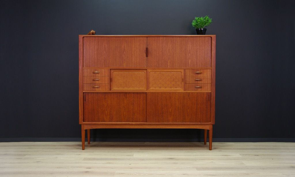 vintage danish teak veneer highboard from uldum. Black Bedroom Furniture Sets. Home Design Ideas