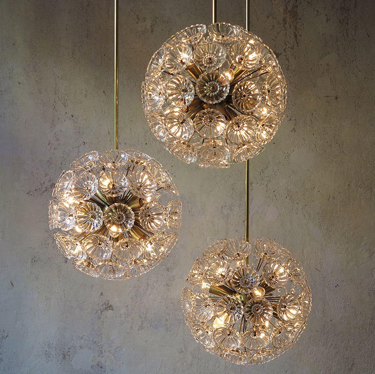 floraler glas messing kronleuchter 1960er 5er set bei pamono kaufen. Black Bedroom Furniture Sets. Home Design Ideas