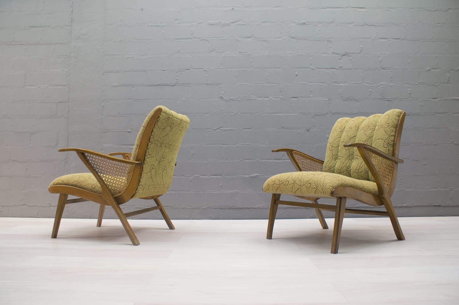 gr ne mid century sessel 1950er 2er set bei pamono kaufen. Black Bedroom Furniture Sets. Home Design Ideas