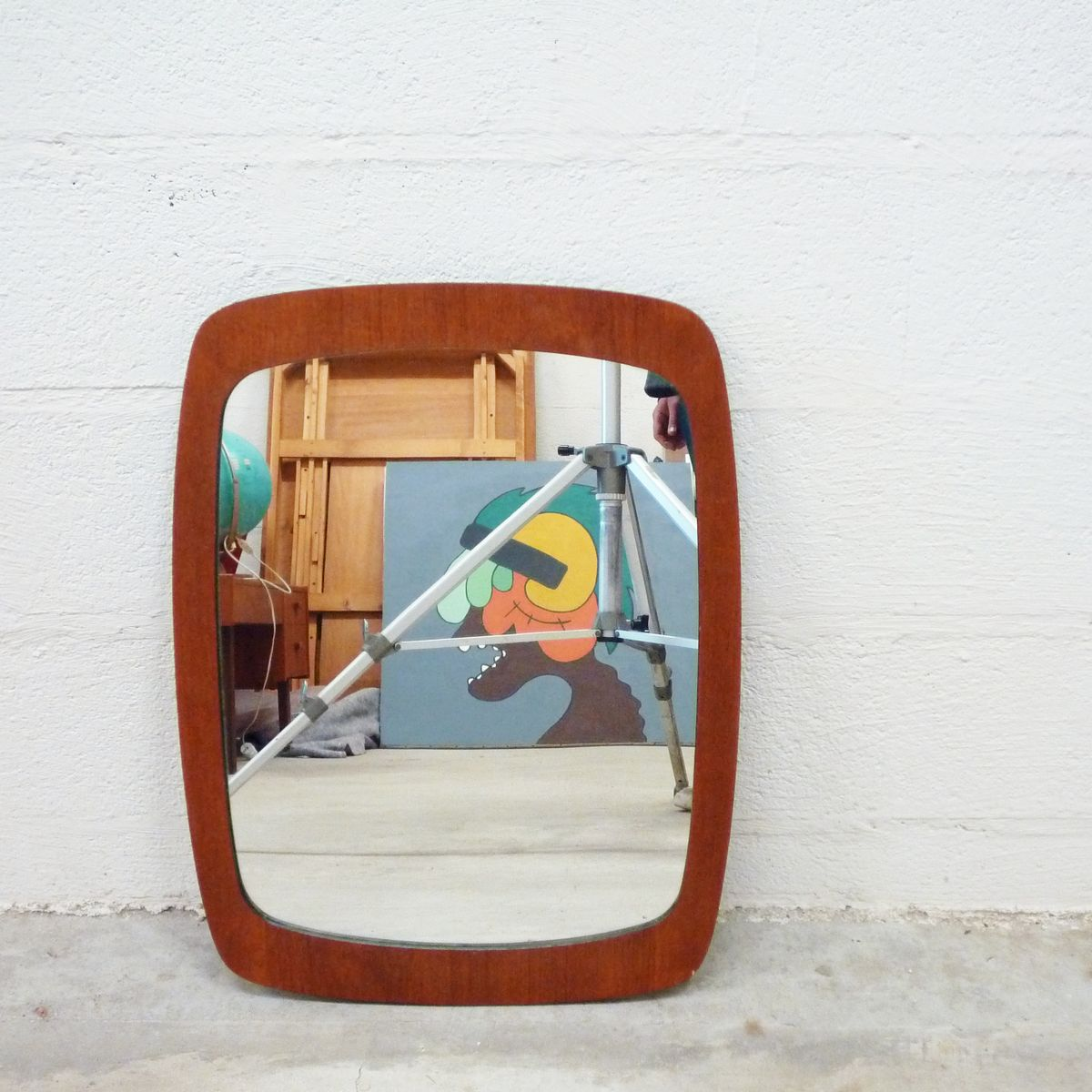 skandinavischer spiegel mit rahmen aus teak furnier. Black Bedroom Furniture Sets. Home Design Ideas