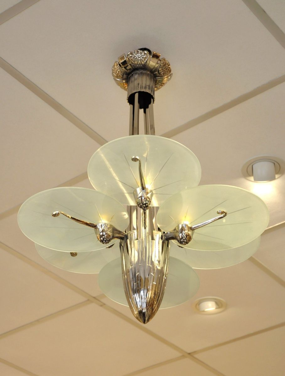 Art deco silver plated bronze chandelier with 6 plates for Deco 6 brumath