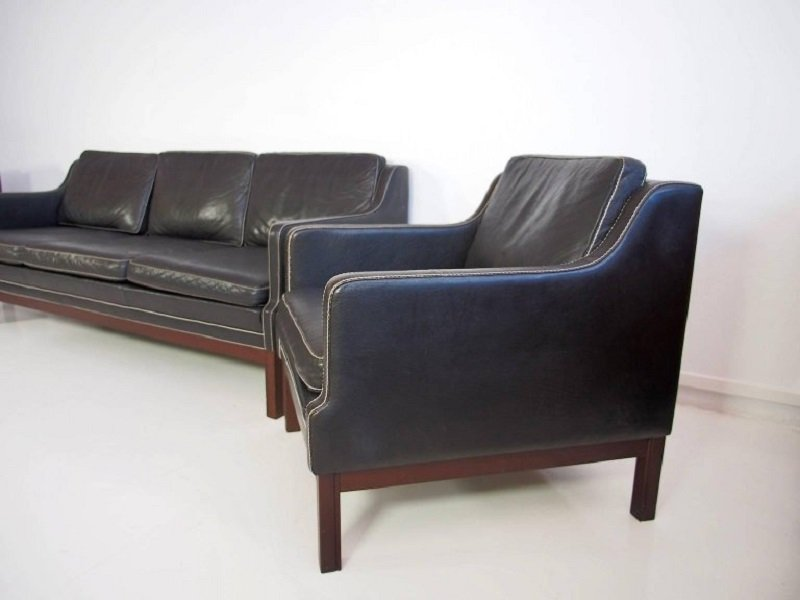 schwarze vintage b ffelleder sessel sofa 3er set bei pamono kaufen. Black Bedroom Furniture Sets. Home Design Ideas