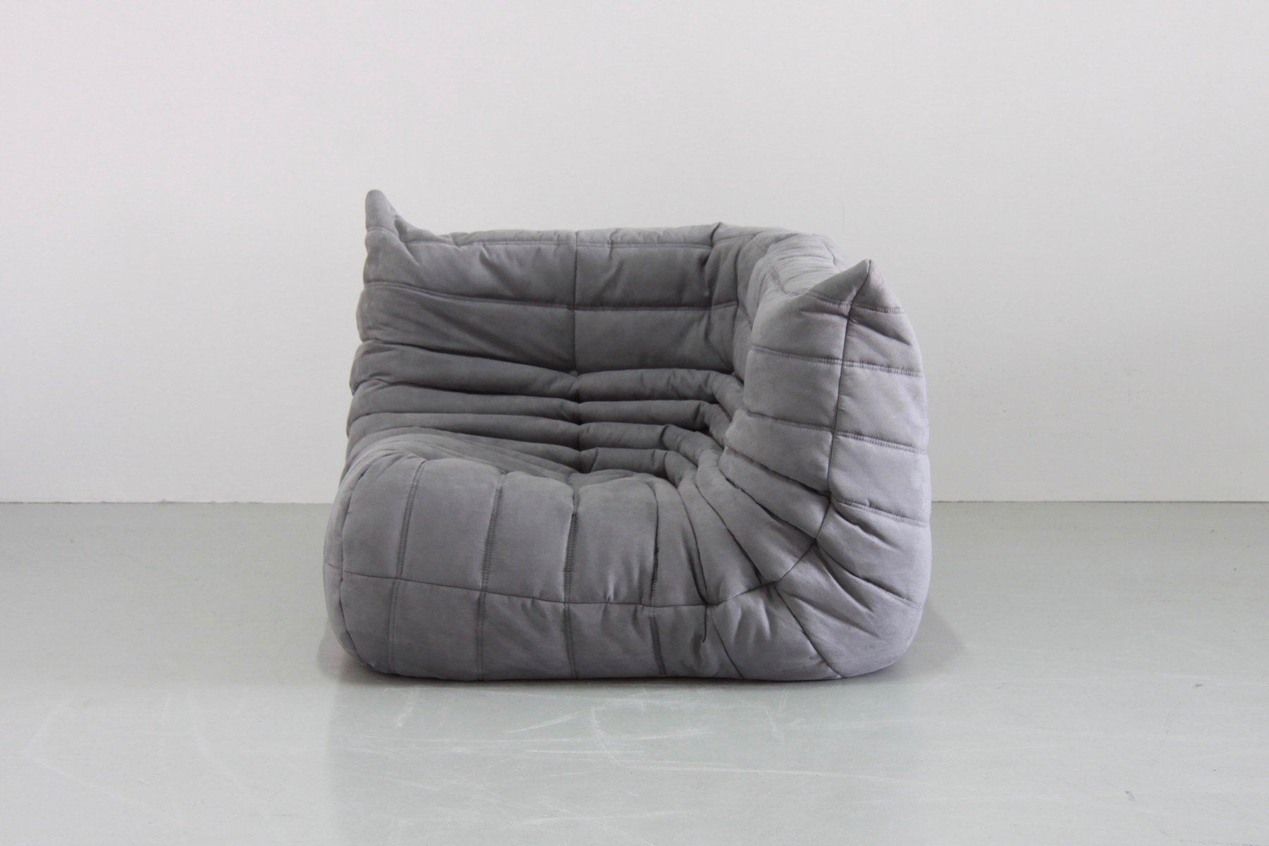 graues mikrofaser togo sofa set von michel ducaroy f r ligne roset 1970er 5er set bei pamono. Black Bedroom Furniture Sets. Home Design Ideas