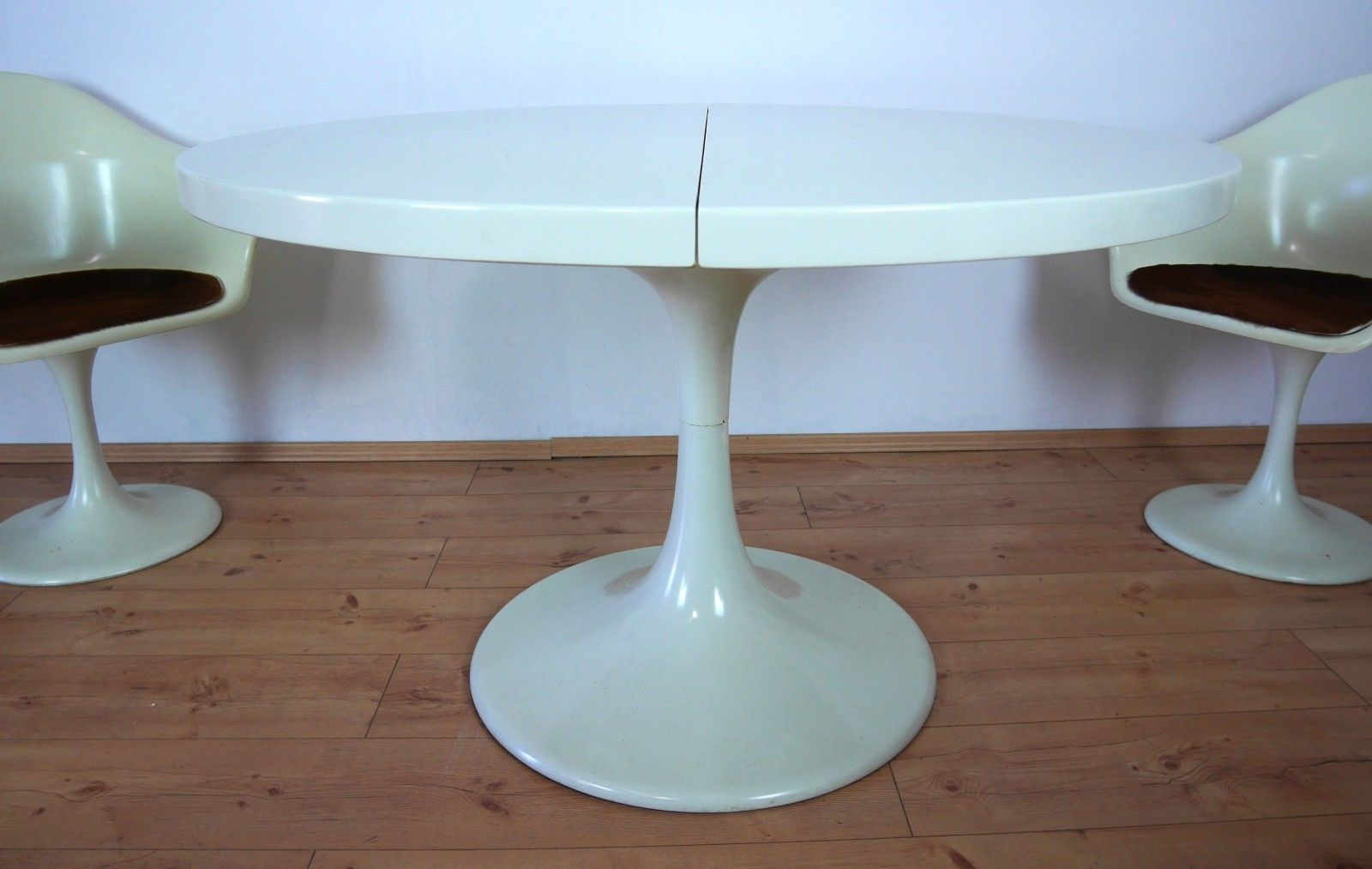 Model Set Line Tulip Table U0026 4 Chairs By Konrad Schäfer For Lübke, 1970s