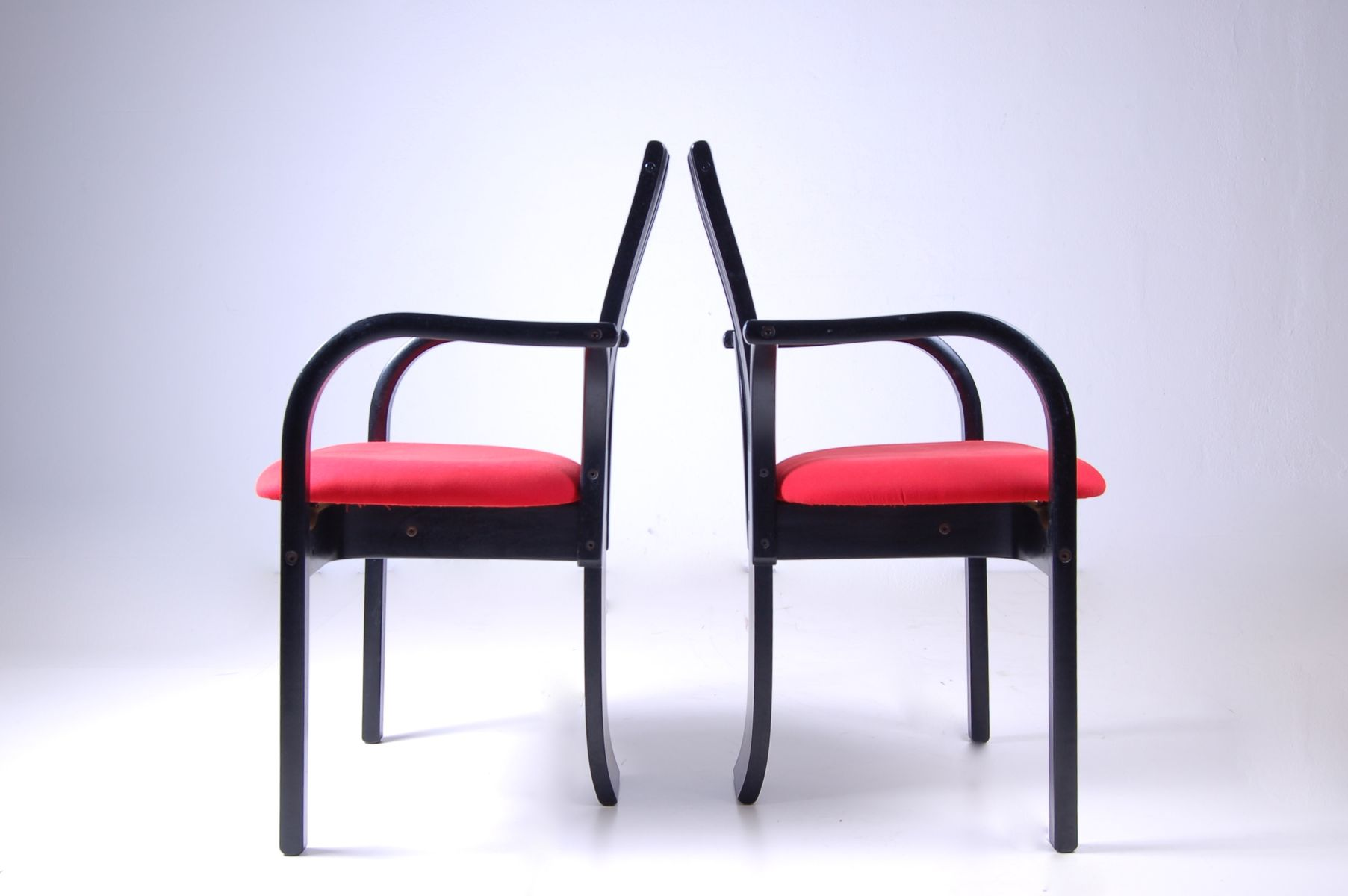 Vintage black red dining chairs set of 2 for sale at pamono for Red dining chairs for sale