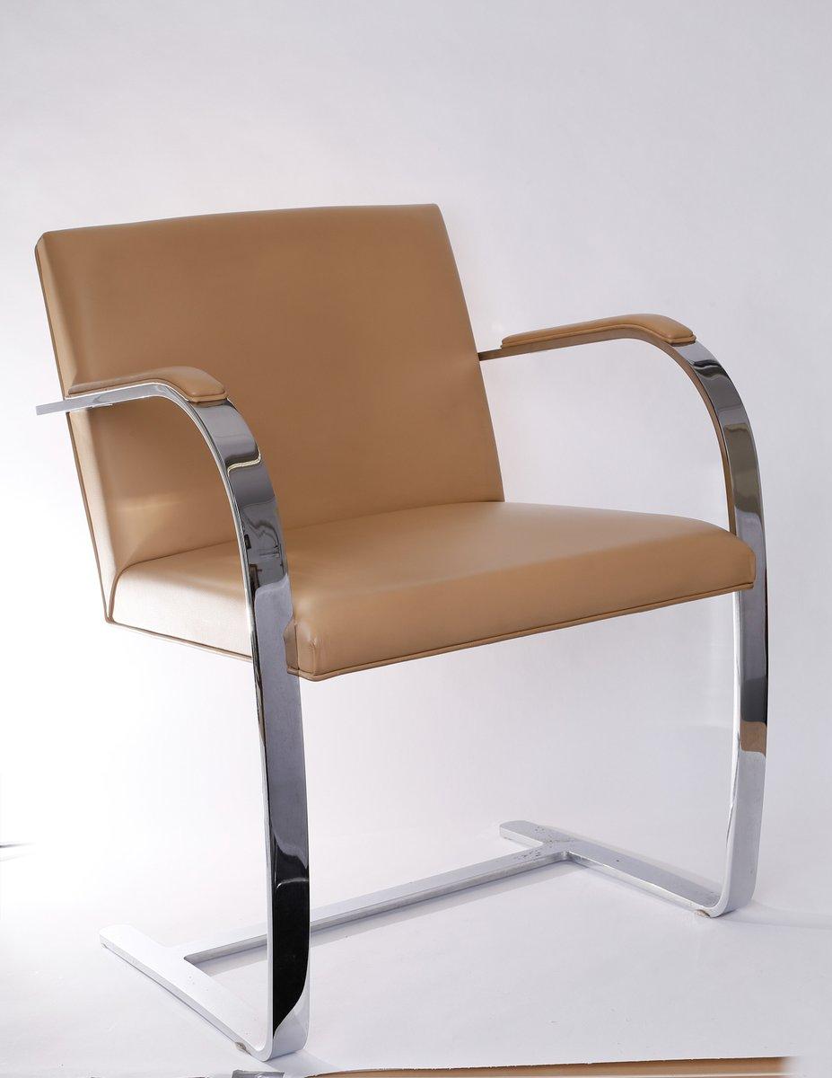 chaise brno vintage par ludwig mies van der rohe pour. Black Bedroom Furniture Sets. Home Design Ideas