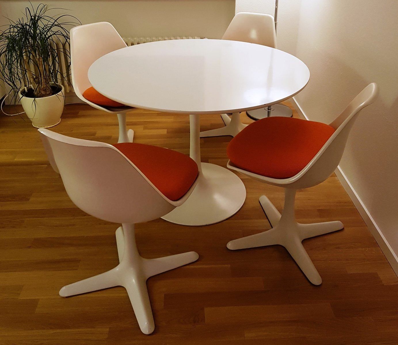 Vintage Tulip Table U0026 4 Chairs By Maurice Burke For Arkana