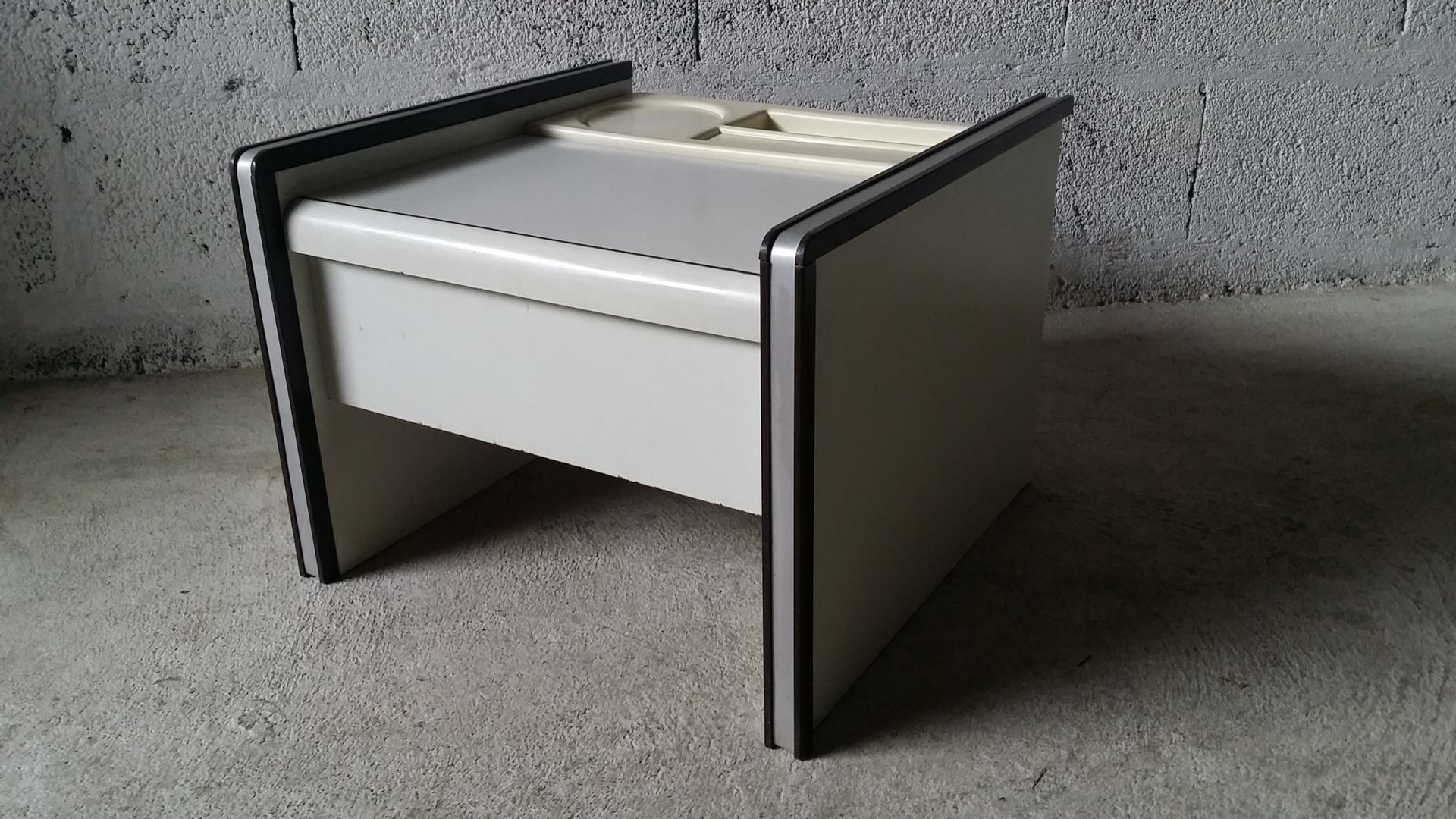 chevet bedside table from guatier 1970s for sale at pamono. Black Bedroom Furniture Sets. Home Design Ideas