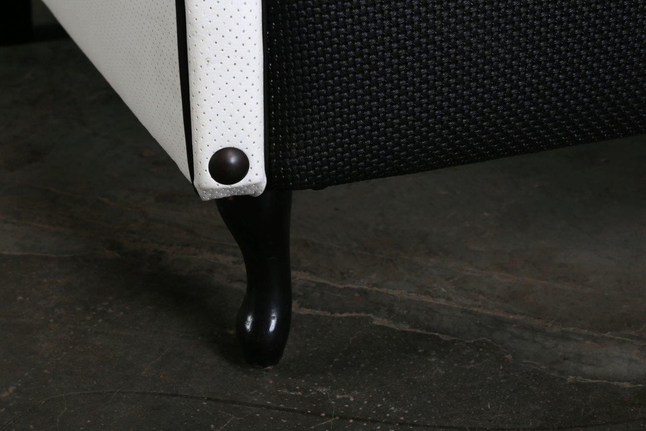 vintage sessel in schwarz wei bei pamono kaufen. Black Bedroom Furniture Sets. Home Design Ideas