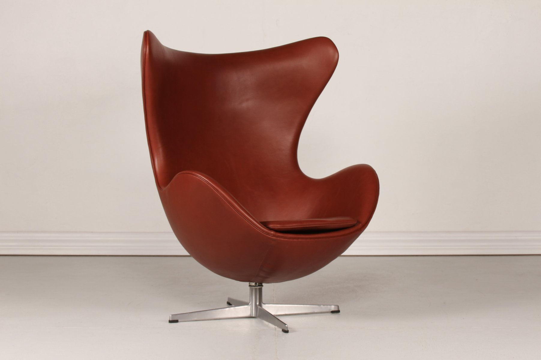 3316 Cognac Leather Egg Chair by Arne Jacobsen for Fritz Hansen ...