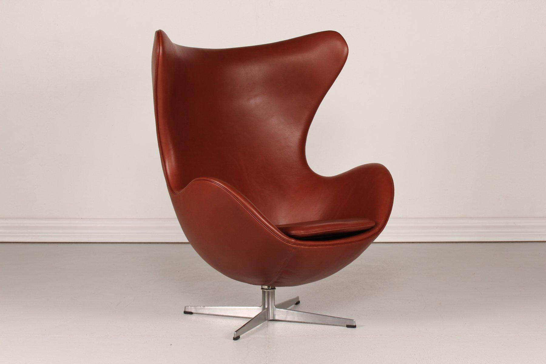 3316 cognac leather egg chair by arne jacobsen for fritz. Black Bedroom Furniture Sets. Home Design Ideas