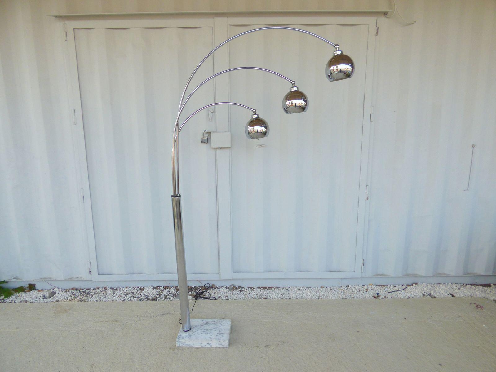 vintage bogen stehlampe mit drei leuchten bei pamono kaufen. Black Bedroom Furniture Sets. Home Design Ideas