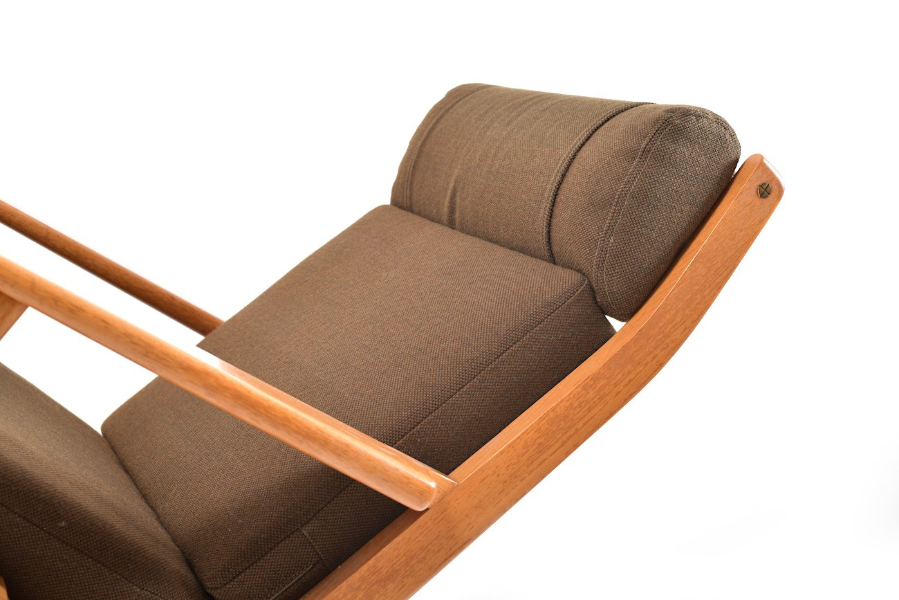 vintage ge 290 teak sessel mit hoher r ckenlehne von hans. Black Bedroom Furniture Sets. Home Design Ideas