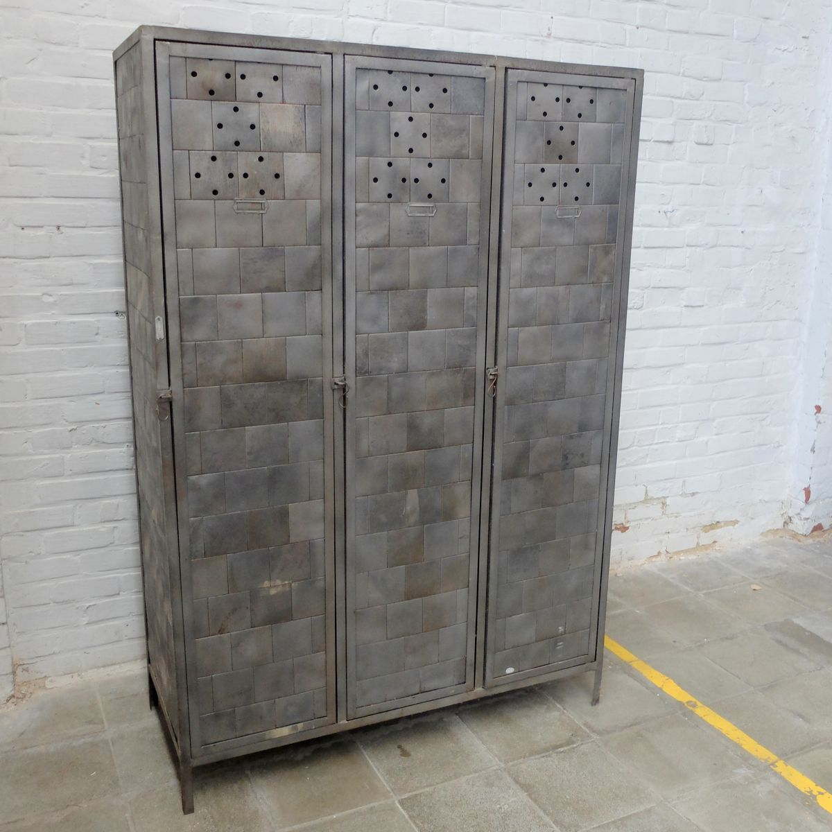 vintage industrial polished locker for sale at pamono. Black Bedroom Furniture Sets. Home Design Ideas