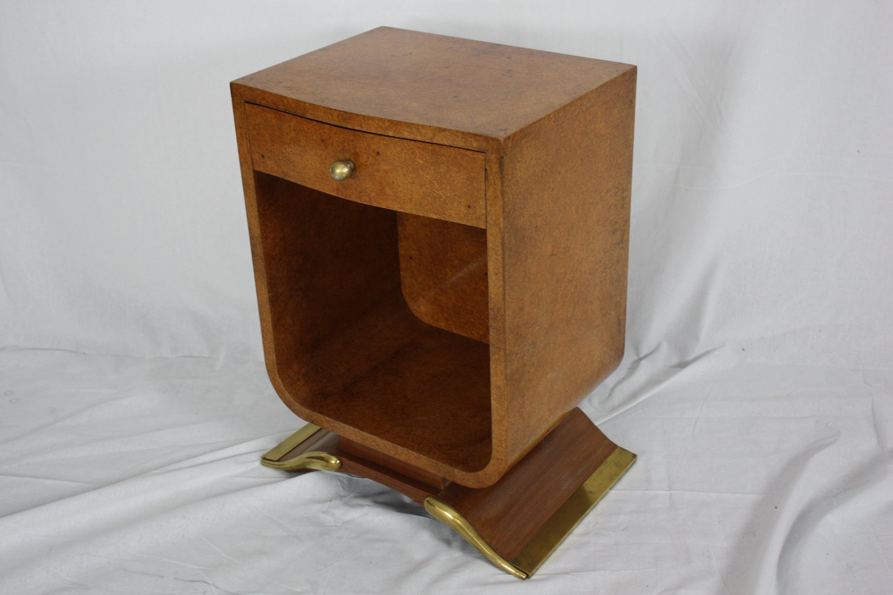 wurzelholz tisch kaufen beautiful wurzelholz tisch free die im detail with wurzelholz tisch. Black Bedroom Furniture Sets. Home Design Ideas