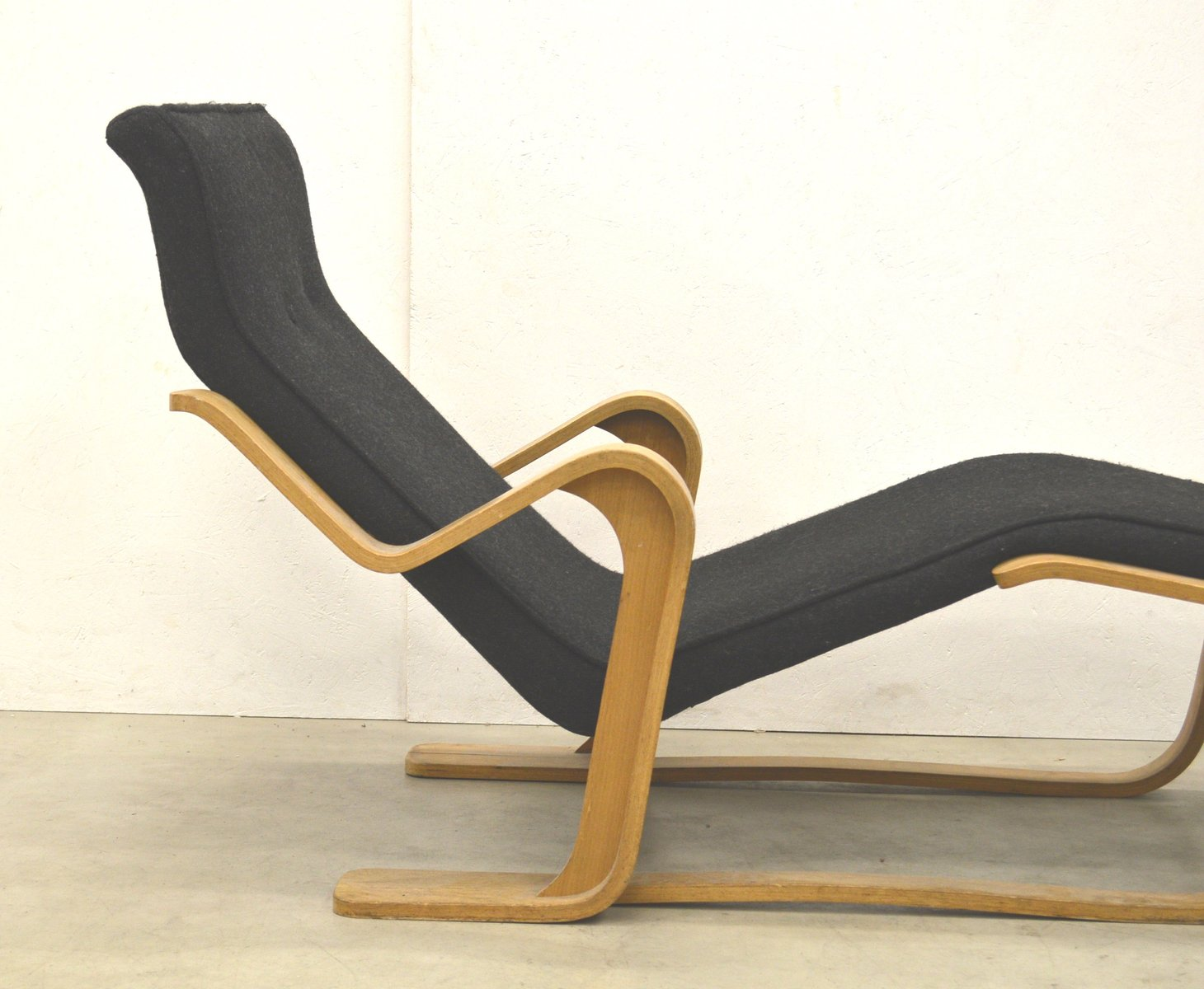 Birch chaise longue by marcel breuer for isokon 1950s for for Chaise longue 2 personnes