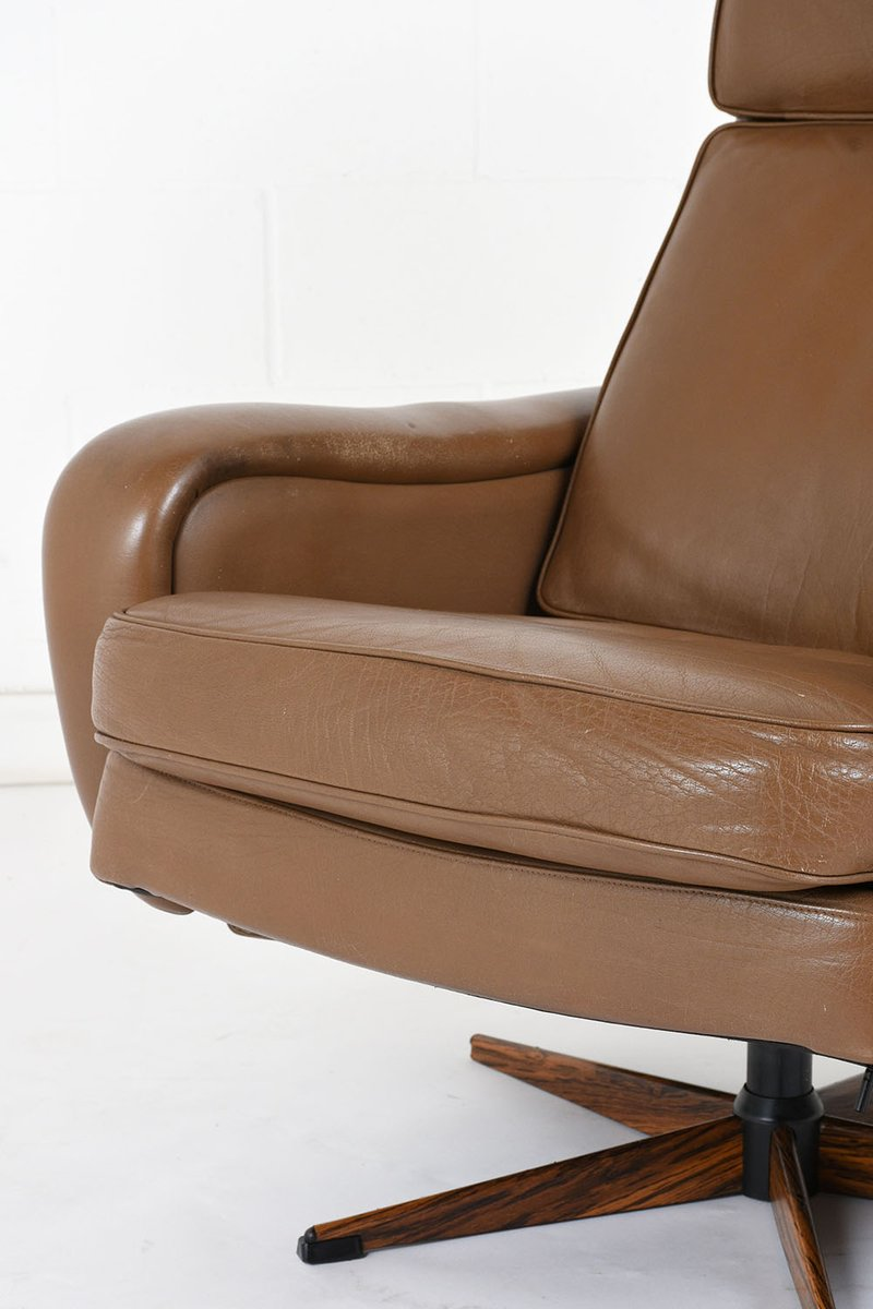 Vintage Leather Lounge Chair And Ottoman 1960s For Sale