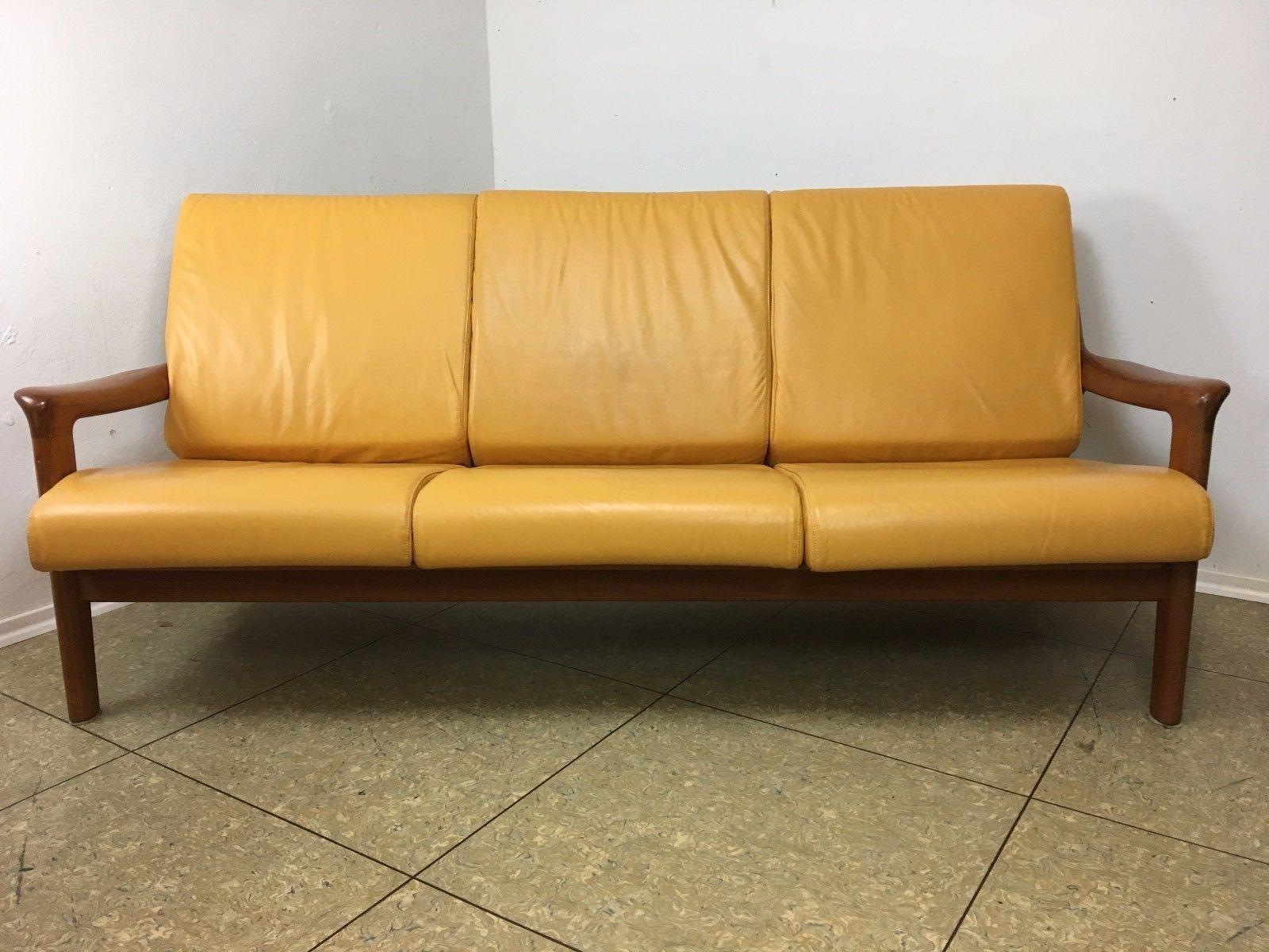 3 sitzer sofa aus teak 1970er bei pamono kaufen. Black Bedroom Furniture Sets. Home Design Ideas