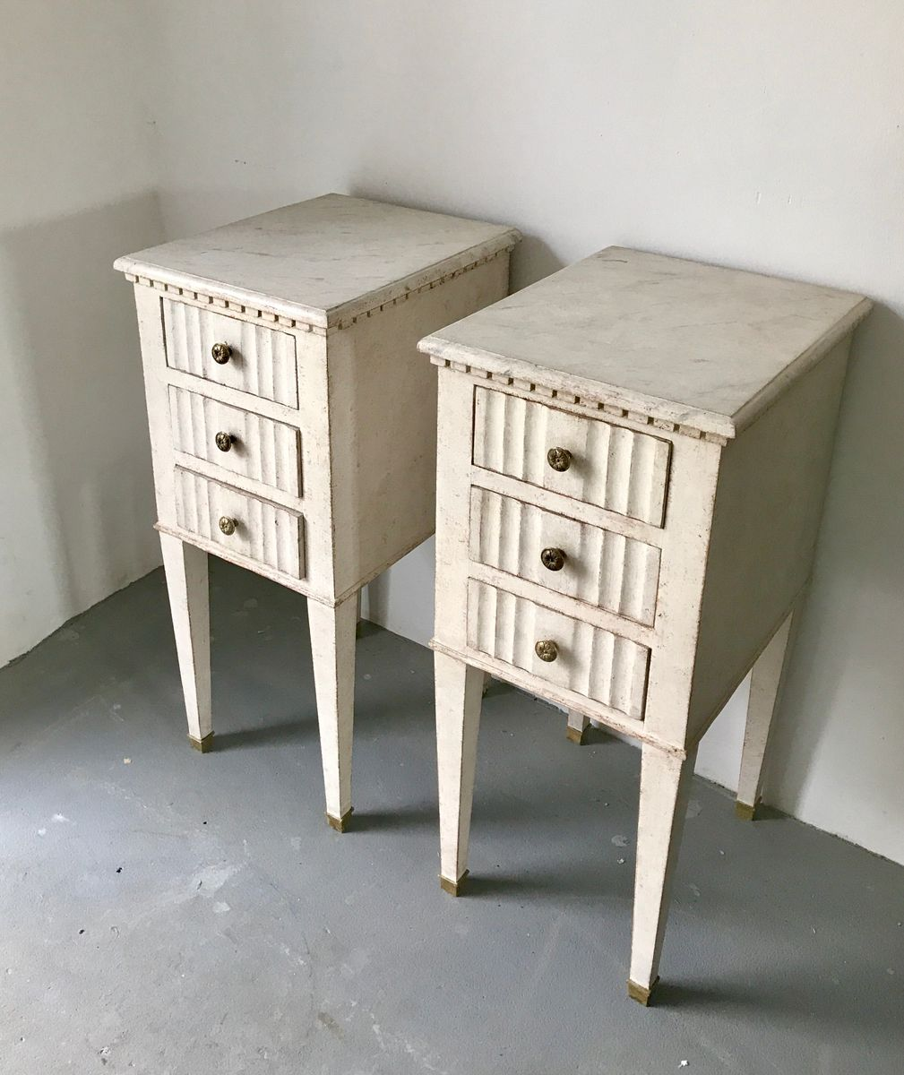 commodes de chevet gustaviennes su de 1860s set de 2 en vente sur pamono. Black Bedroom Furniture Sets. Home Design Ideas