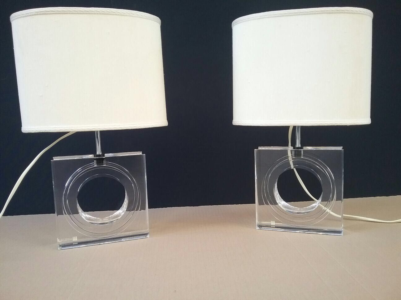 Lampade da tavolo vintage in plexiglas di antonio felice - Lampade da tavolo in plexiglass ...
