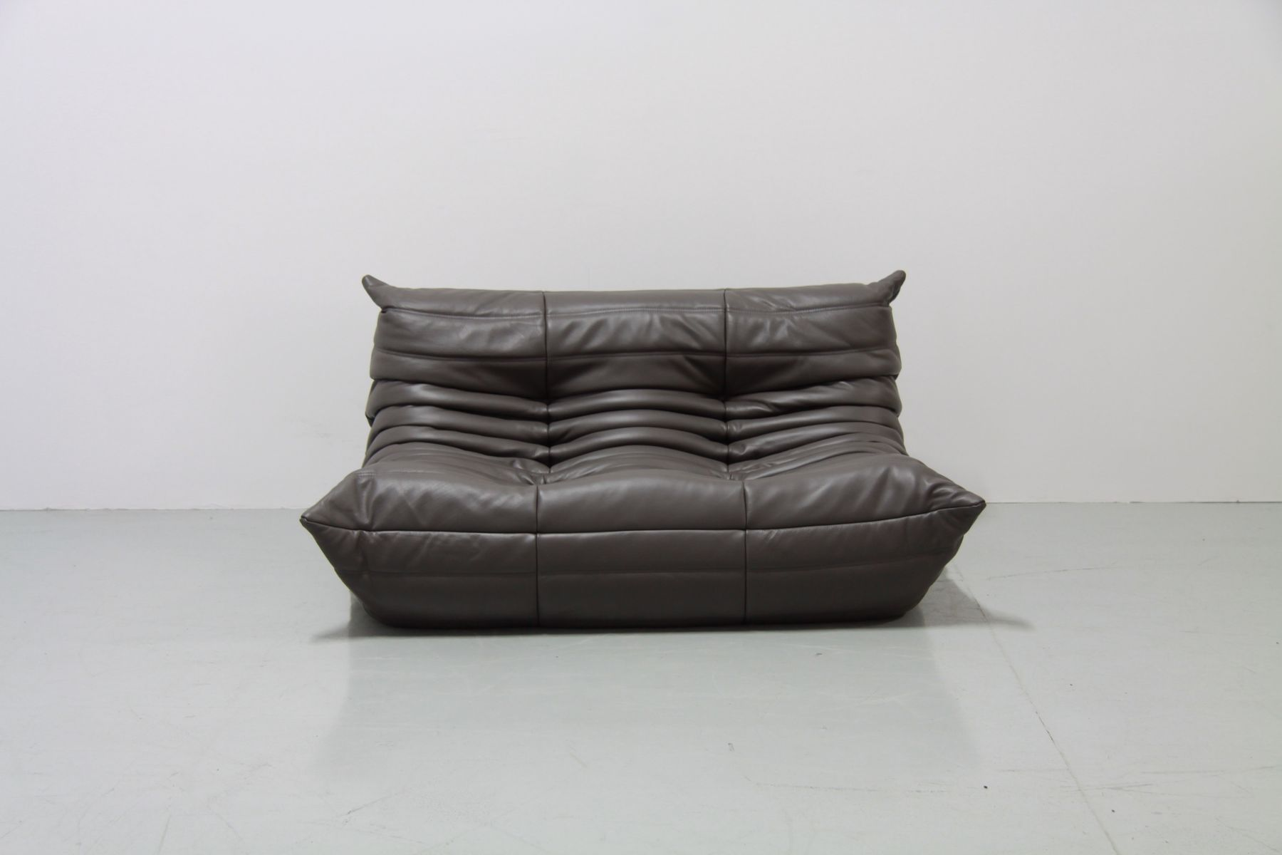 vintage graphite leather togo sofa set by michel ducaroy. Black Bedroom Furniture Sets. Home Design Ideas