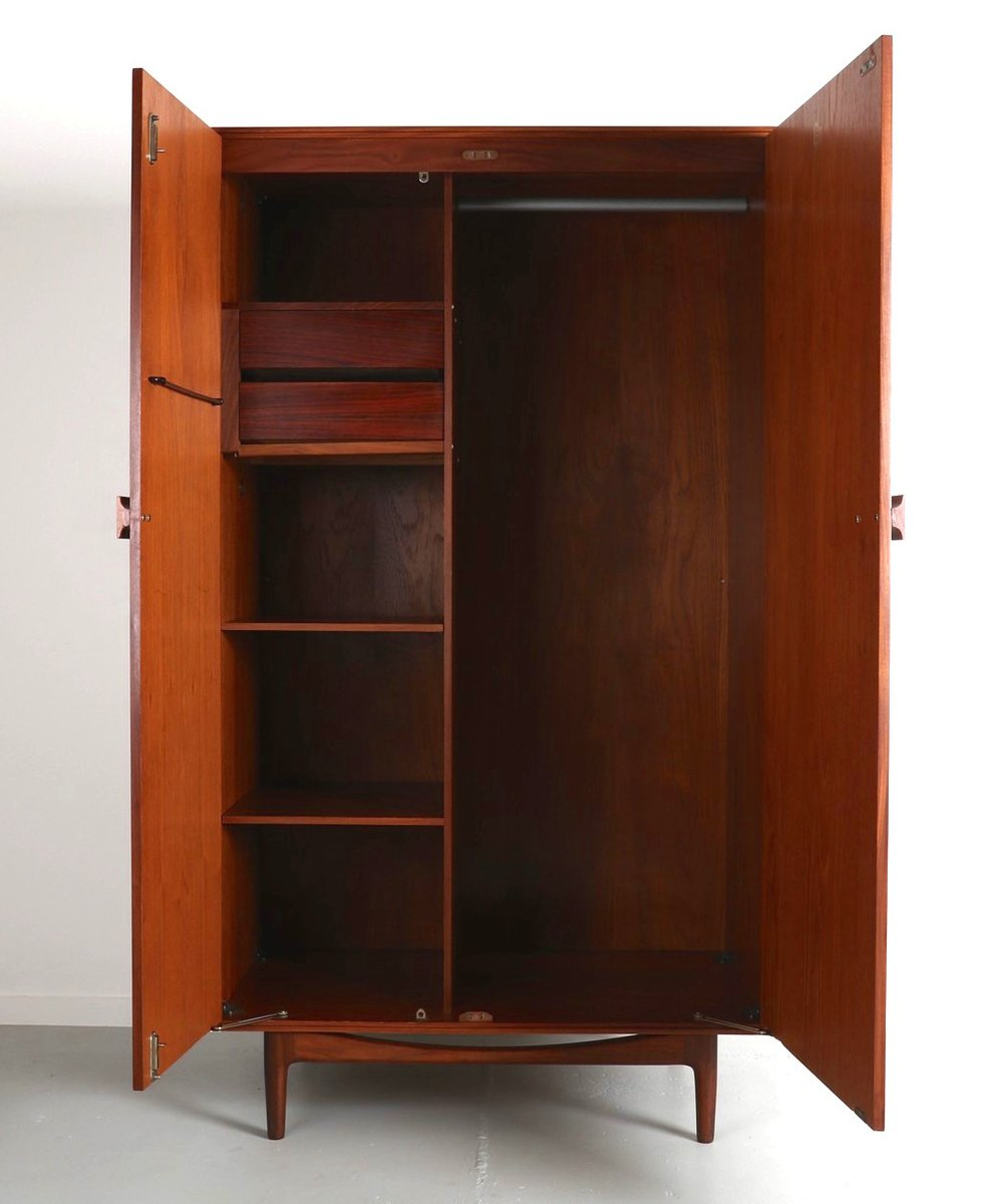 d nischer teak kleiderschrank von ib kofod larsen f r g plan 1960er bei pamono kaufen. Black Bedroom Furniture Sets. Home Design Ideas