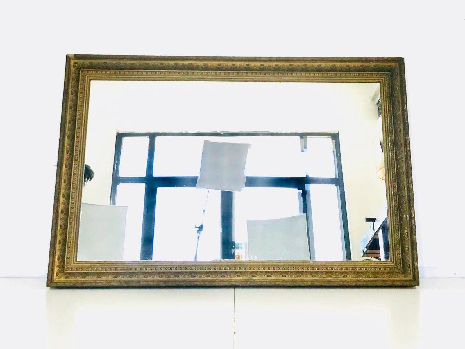 vintage spiegel mit goldfarbenem holzrahmen bei pamono kaufen. Black Bedroom Furniture Sets. Home Design Ideas