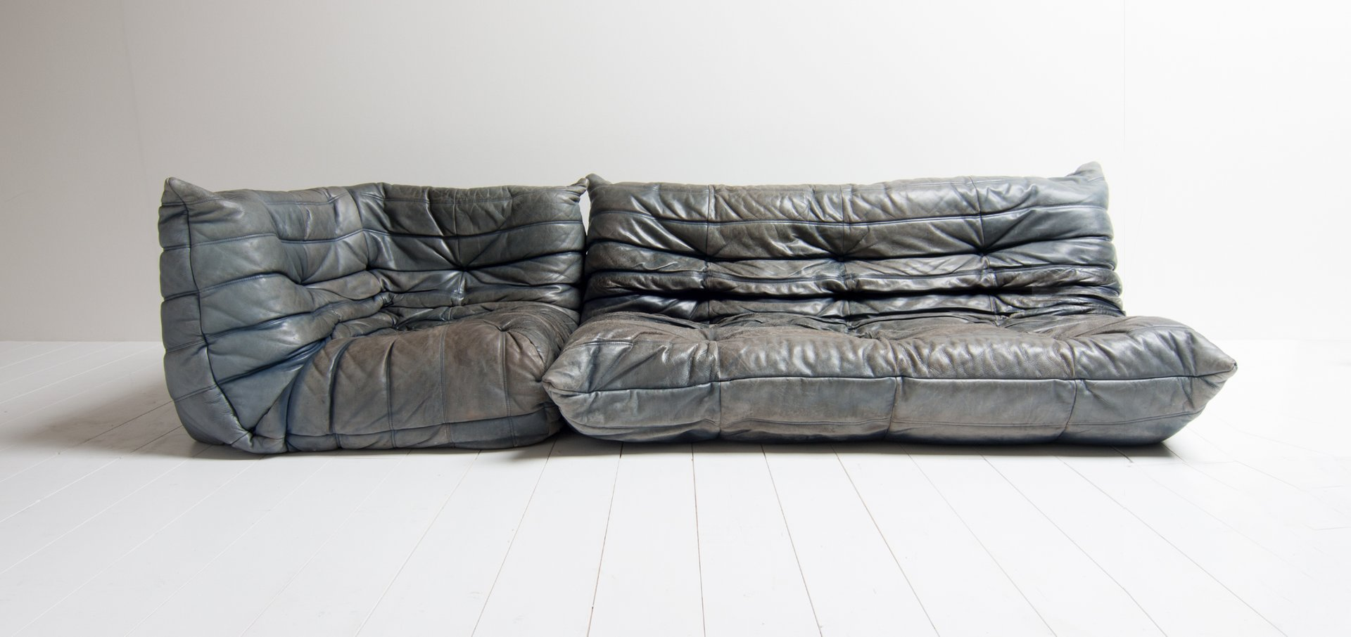 vintage togo blue leather lounge set by michel ducaroy for ligne roset for sale at pamono. Black Bedroom Furniture Sets. Home Design Ideas