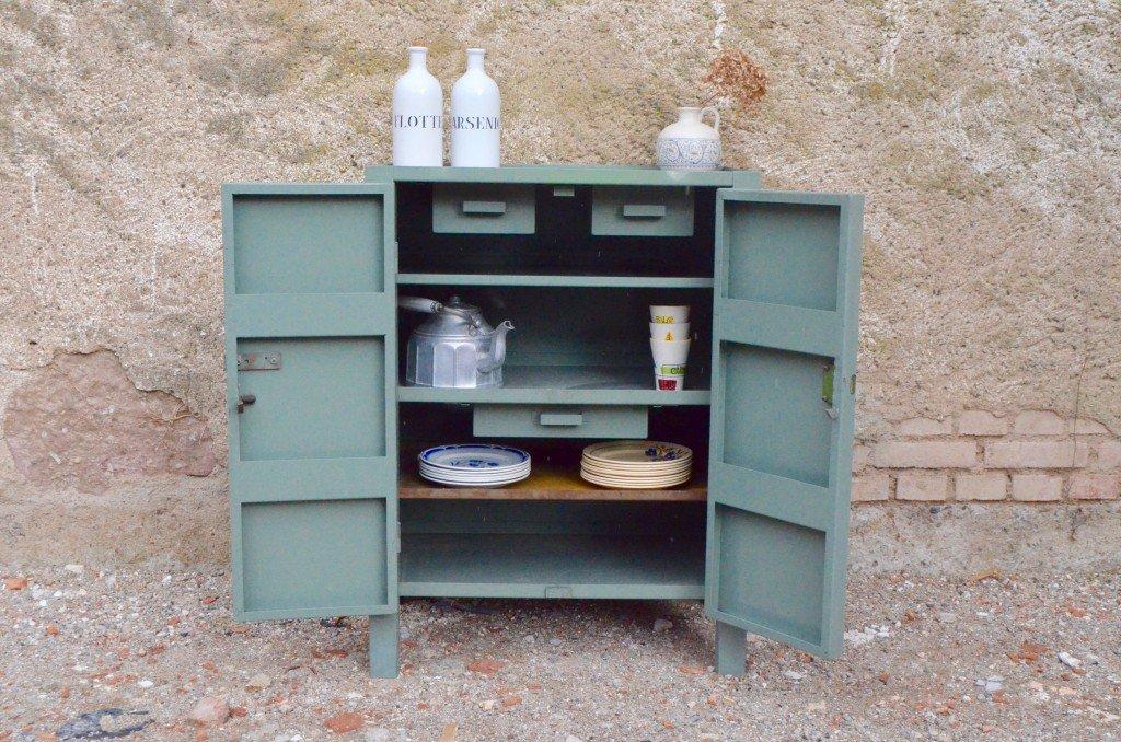 vintage industrie werkstatt schrank bei pamono kaufen. Black Bedroom Furniture Sets. Home Design Ideas