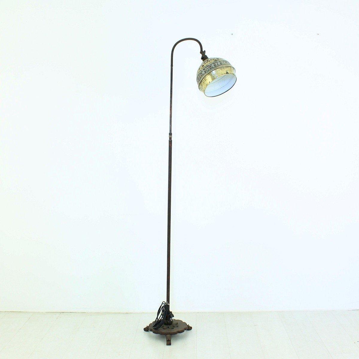 messing eisen stehlampe 1920er bei pamono kaufen. Black Bedroom Furniture Sets. Home Design Ideas