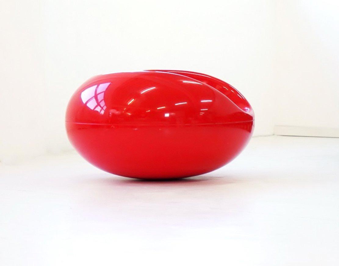 fauteuil pastille rouge vintage en fibre de verre par eero. Black Bedroom Furniture Sets. Home Design Ideas