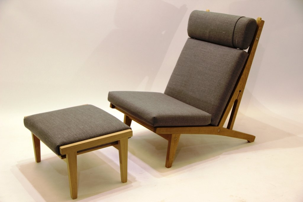 GE 375 Lounge Chair U0026 Footstool By Hans J. Wegner For Getama, 1960s