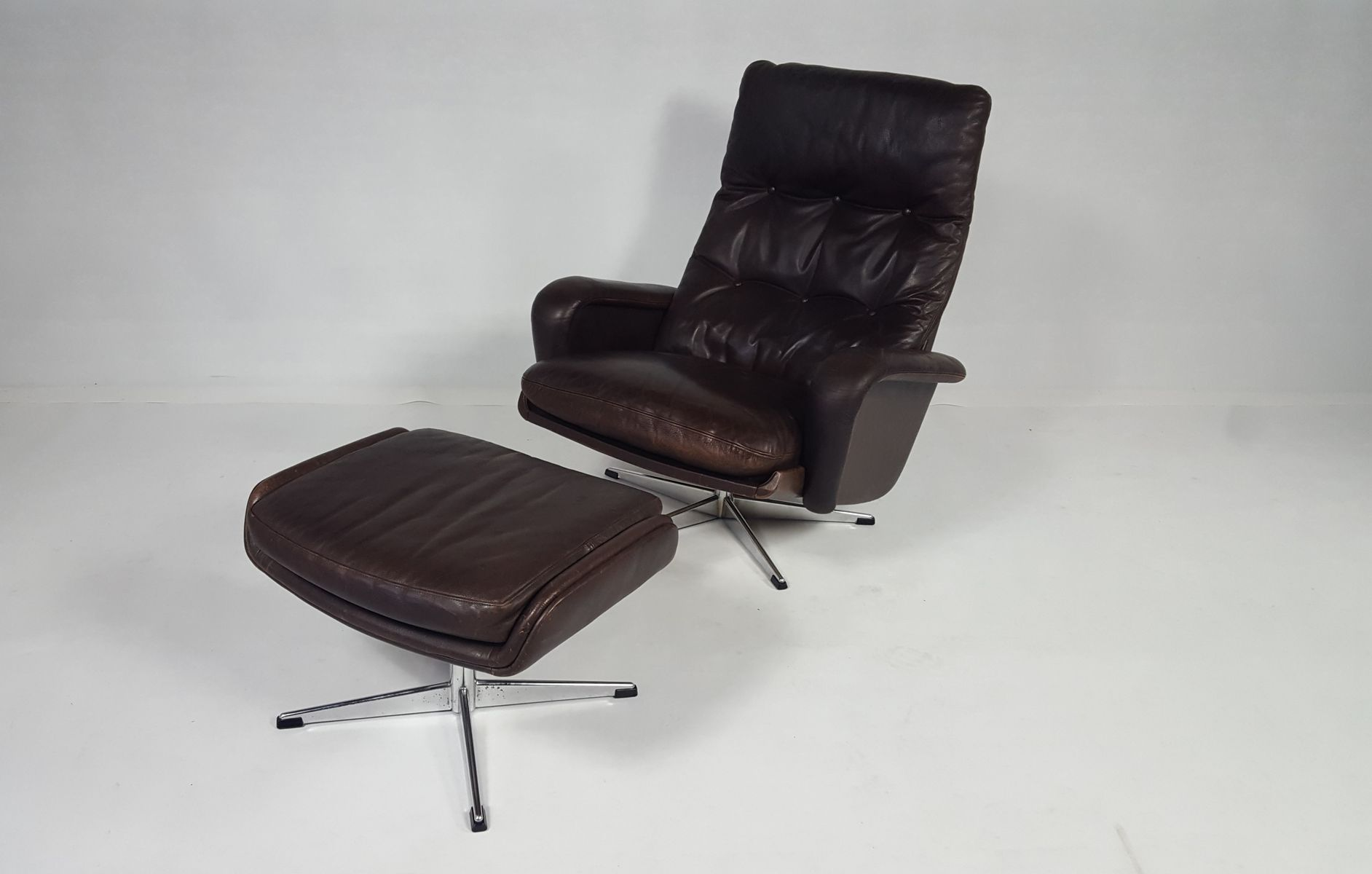 Superior Leather Swivel Chair With Ottoman, 1970s