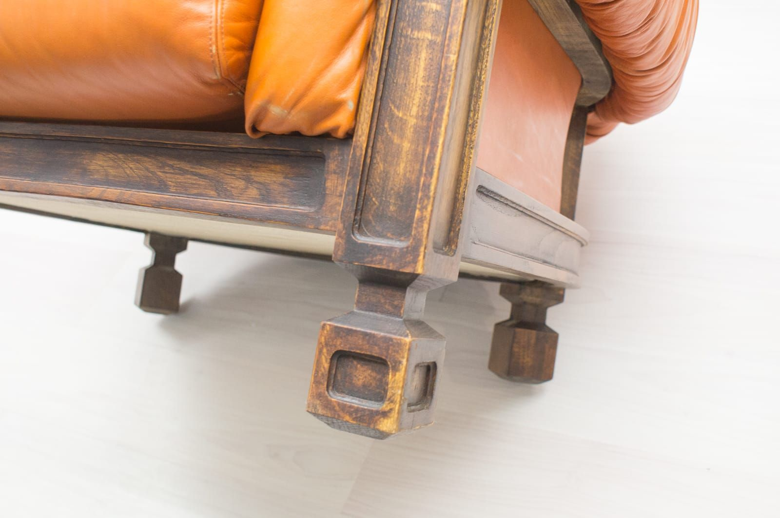 gro er sessel aus leder holz 1960er bei pamono kaufen. Black Bedroom Furniture Sets. Home Design Ideas