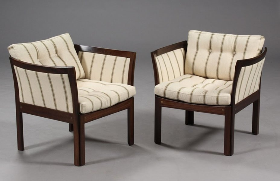 Plexus Lounge Chairs in Mahogany & White Fabric by Illum Wikkelsø ...