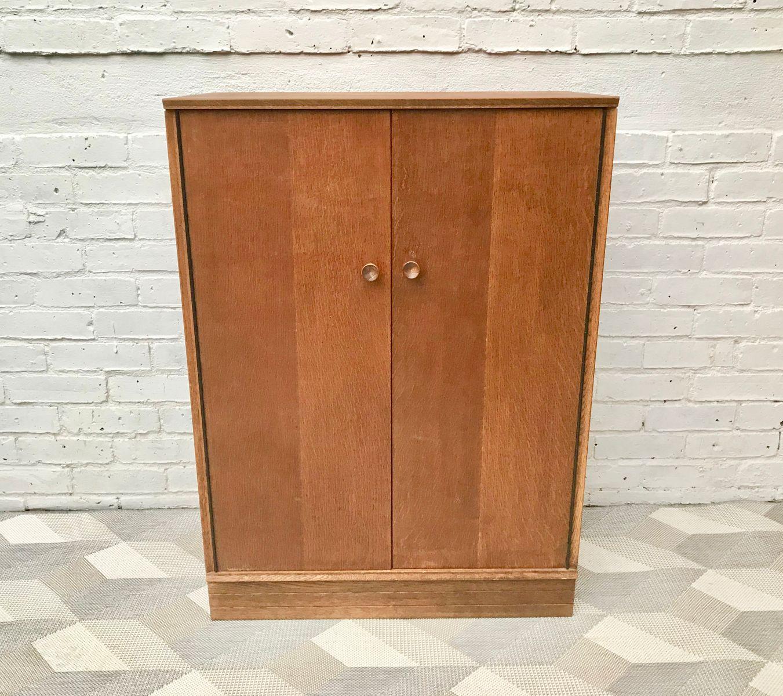 vintage schrank aus eiche bei pamono kaufen. Black Bedroom Furniture Sets. Home Design Ideas
