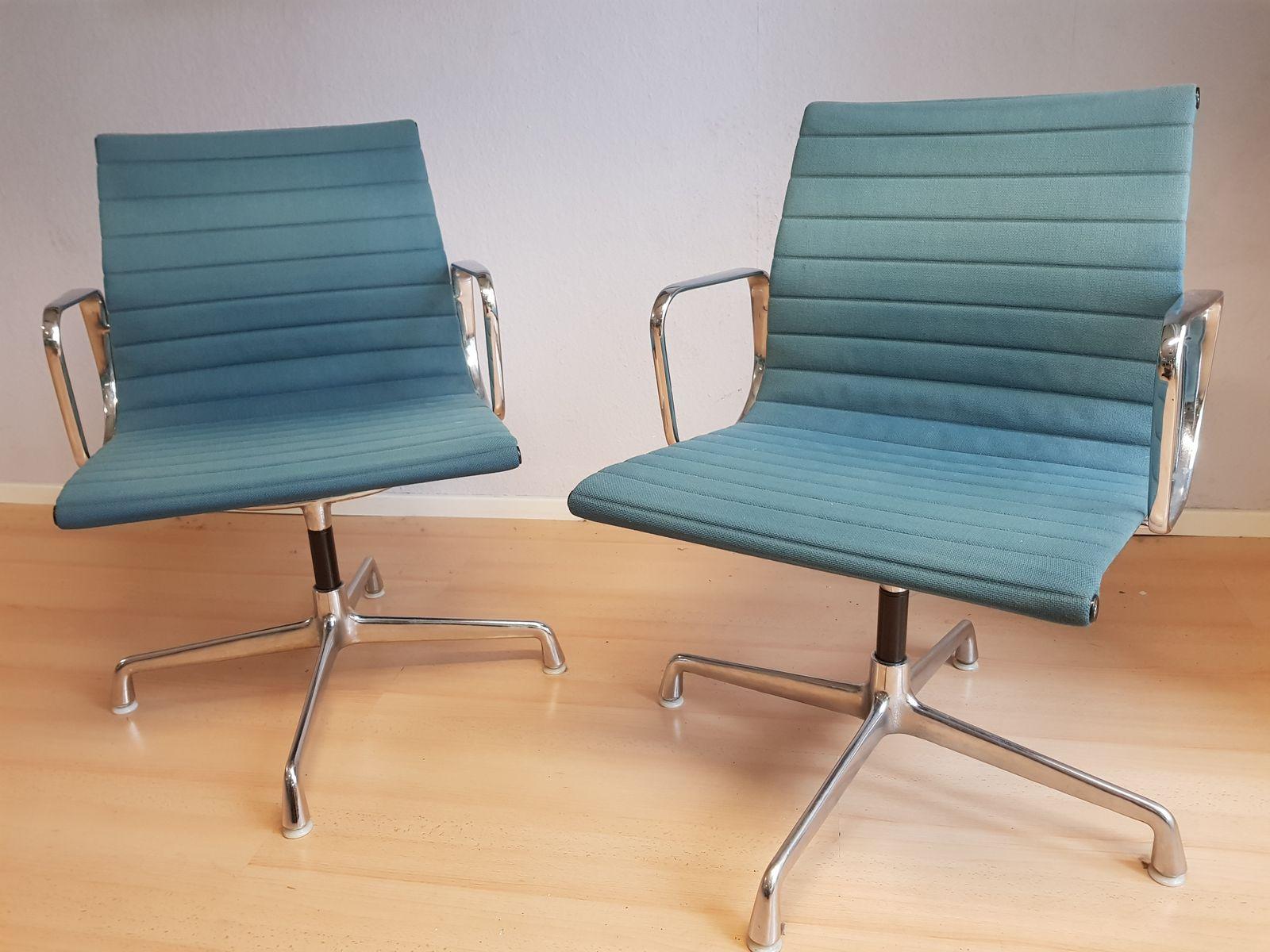 Sedie Ufficio Eames : Sedia da ufficio ea in alluminio e stoffa color petrolio di