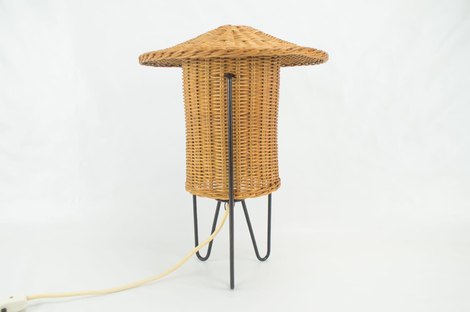 Lampe de bureau en rotin autriche s en vente sur pamono